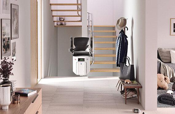 Treppenlift mit Drehsitz-Automatik
