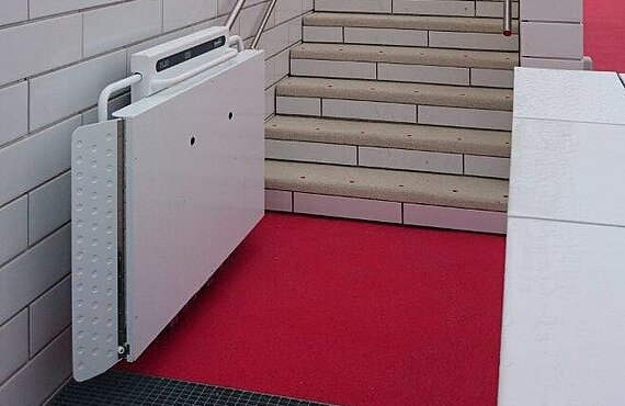 Plattform-Treppenlift für enge Treppen